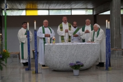 Alle-am-Altar